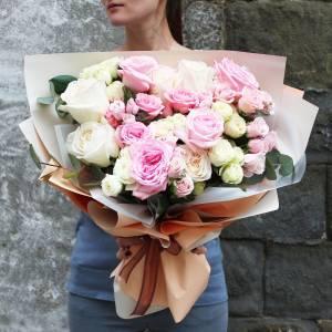 Сборный букет пионовидных роз R1215