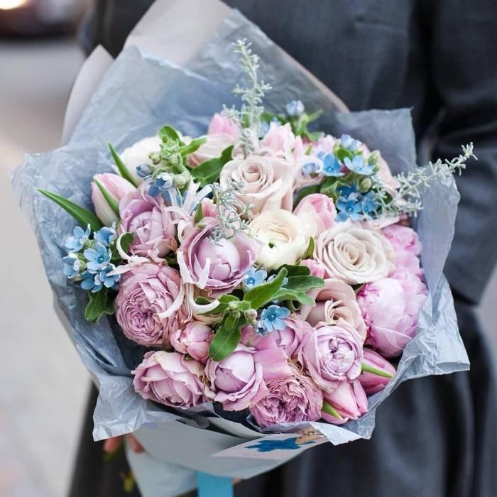 Сборный букет пионы с пионовидными розами R174